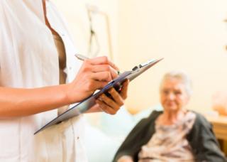 الاستشارة الاجتماعية في المجال الطبي